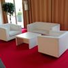 "Couch-Table White Lounge ""Pair"", Ledersofa ""Majestic"" 2-Sitzer weiß und Ledersessel ""Majestic"" weiß"